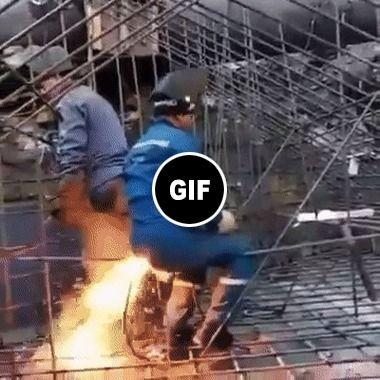 Ele está com fogo no rabo