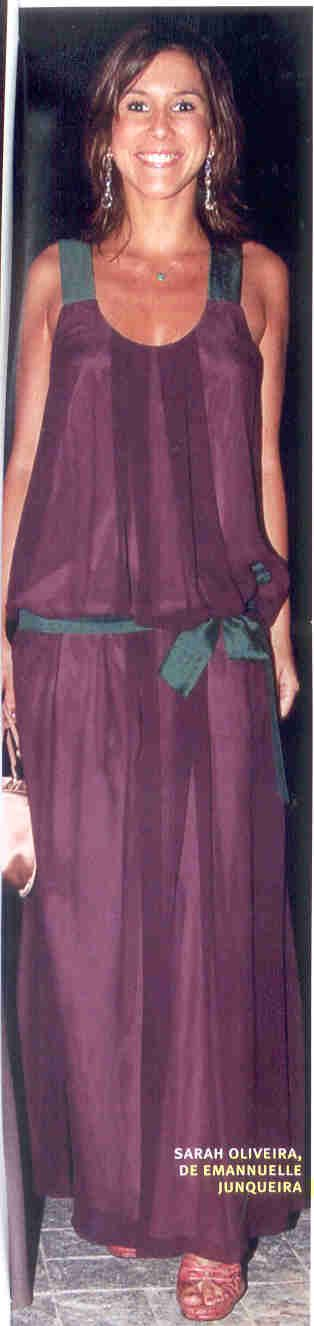 Sarah Oliveira veste Emannuelle Junqueira