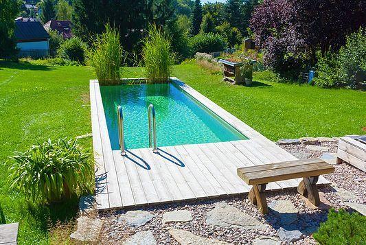 Reihenhausgarten Mit Wasserbecken In Einem Kleinen - reihenhausgarten und pool