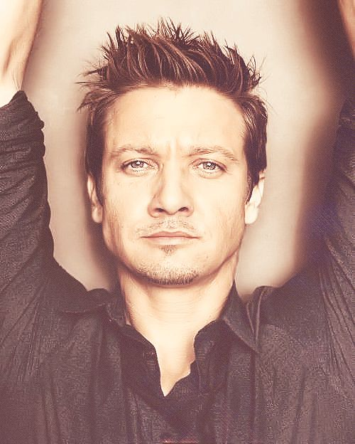 Jeremy Renner... so beautiful