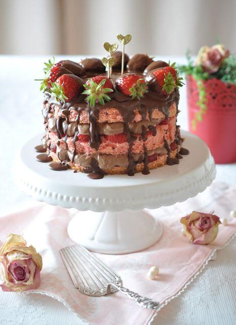 Tamaras Erdbeer-Nutella-Torte: http://caketime-by-tamaris.blogspot.de/2015/07/erdbeer-nutella-torte.html