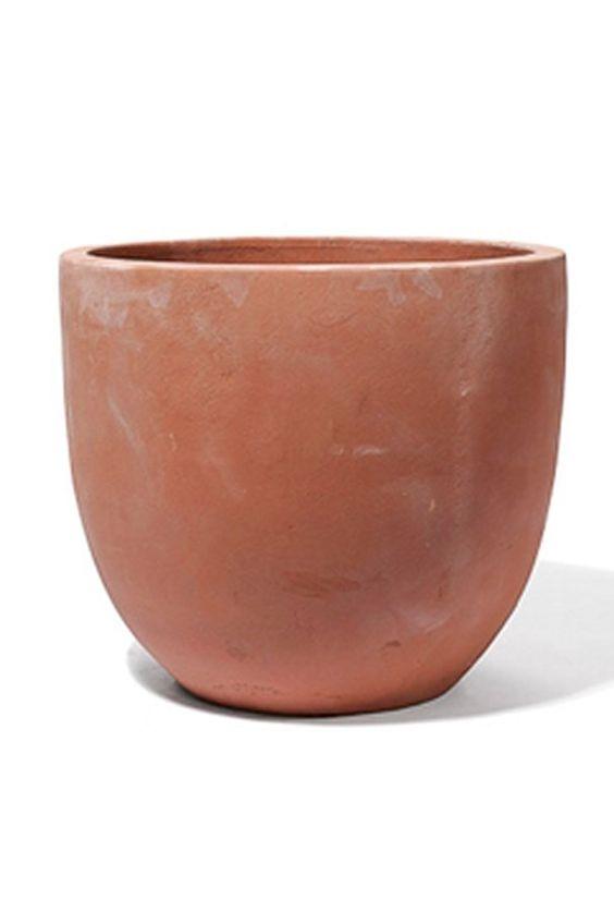 Endlich habe ich einen Terracotta Kübel zum anmalen in der richtigen, runden Form gefunden. Ich habe ewig danach gesucht!