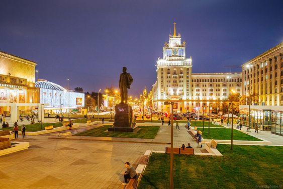 Маяковка. Триумфальная площадь