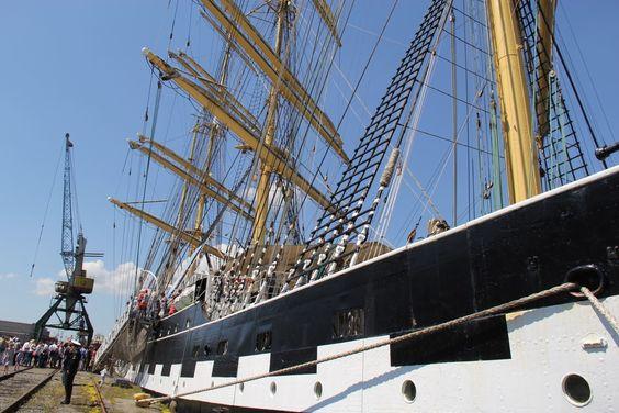 Вид на мачты барка Крузенштерн, Калининград