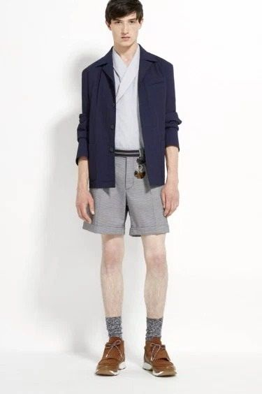 Carven may be a newbie in the industry, but here comes their brave SS2016 collection. See the new looks at #Swipelife #style #fashion http://bit.ly/1eT6vAT