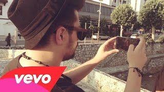 Elvana Gjata - Love me (Official MobilePhoneVideo) ft. Bruno - YouTube