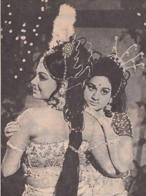 Aruna Irani , Padma Khanna