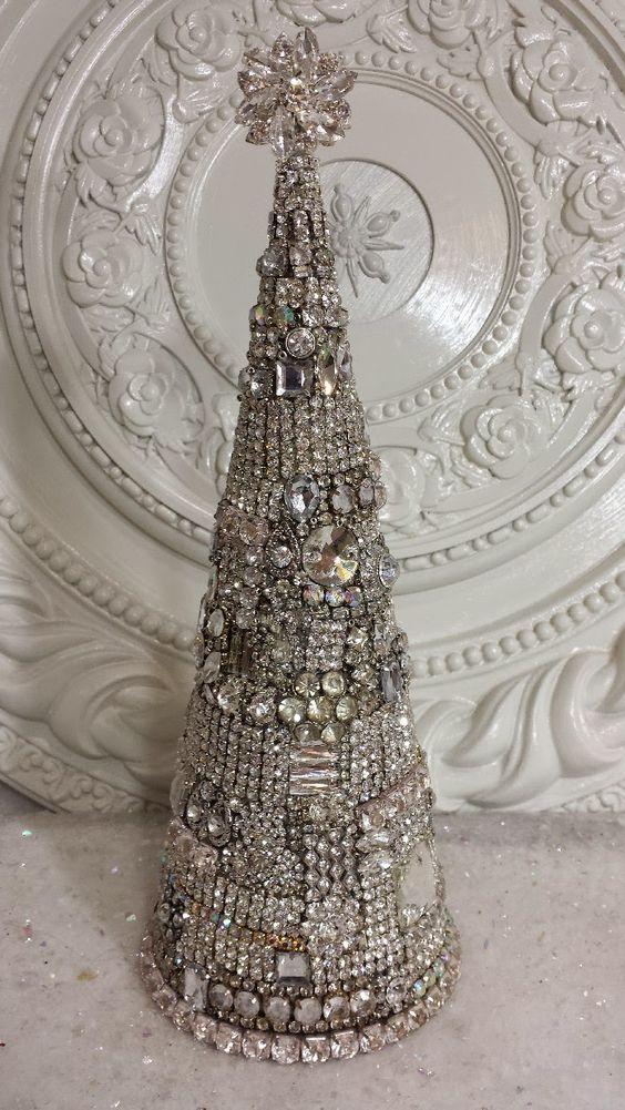 Ms Bingles Vintage Christmas: Sneak Peek at this weeks Bottle Brush Trees....: