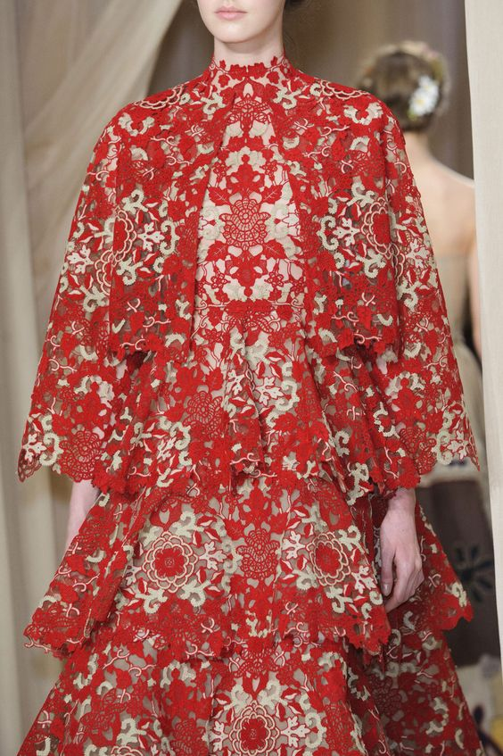 Valentino Spring 2015 Runway Pictures - StyleBistro