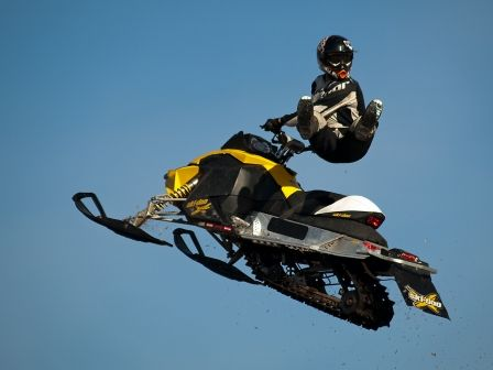 Airborne Freestyle Snowmobile Extreme