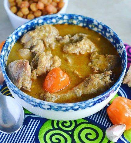 [Arrêt sur Image] Ajouter un peu d'akpi et de gnangnan: ça vous donne la sauce anti-palu!  #IvorianFood toujours!