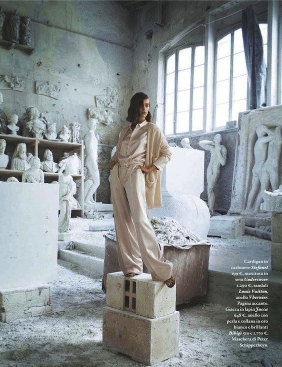 """The Terrier and Lobster: """"Impara l'arte"""": Olya Zueva and Statues by Michael Woolley for Io Donna"""