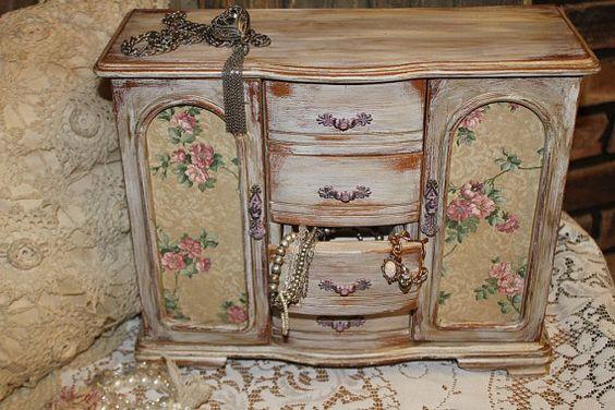 Shabby chic french dresser farmhouse cabinet vintage for Shabby chic farmhouse