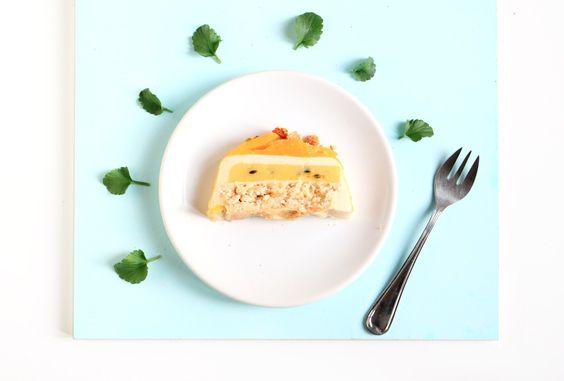 Entremet passion fruit - Passion fruit layer cake // VeryCake