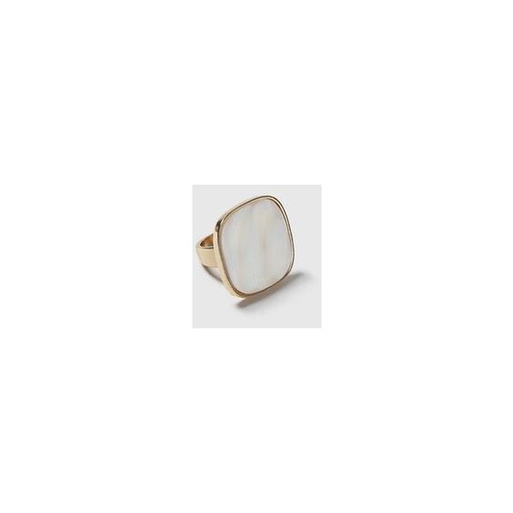 Topshop Pearl Square Cocktail Ring (€11) ❤ liked on Polyvore featuring jewelry, rings, cream, topshop rings, pearl jewellery, topshop jewelry, cream jewelry and pearl jewelry