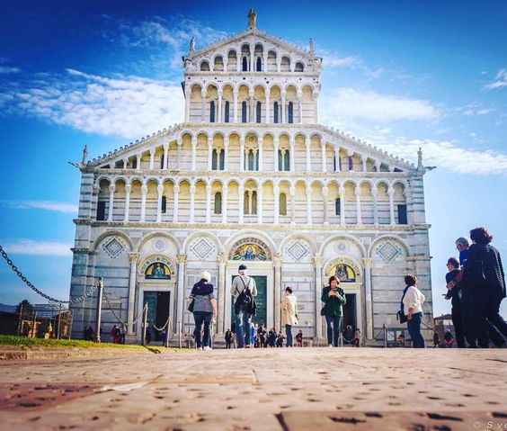 Duomo Santa Maria Assunta a Pisa. Wow .... Fantastic Pisa  TuscanyPeople.com People and Stories of Tuscany complete guide to TuscanyLifestyle. ...  ...  ...  #Tuscany #Toscana #TuscanyPeople #MadeinTuscany #ILoveTuscany #MadeinItaly #LifeStyle #TuscanyWine #TuscanyLifestyle #InstaTuscany #InstaToscana  #TuscanyGram #TuscanyExperience #Toskana  #TuscanyStyle #IgerToscana #IgerItalia #Italy #Italia #Art #Arte #SolocoseBelle #ItaliansDoItBetter #TravelBlogger #italia365 #Pisa #instaPisa Photo…
