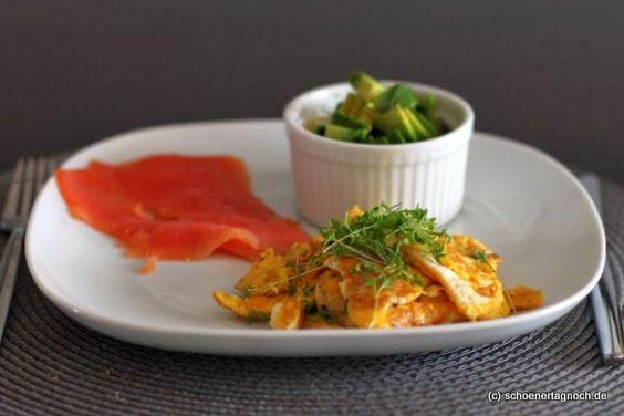 Schöner Tag noch!: Fitness-Frühstück: Rühreier mit geräuchertem Lachs und Avocado