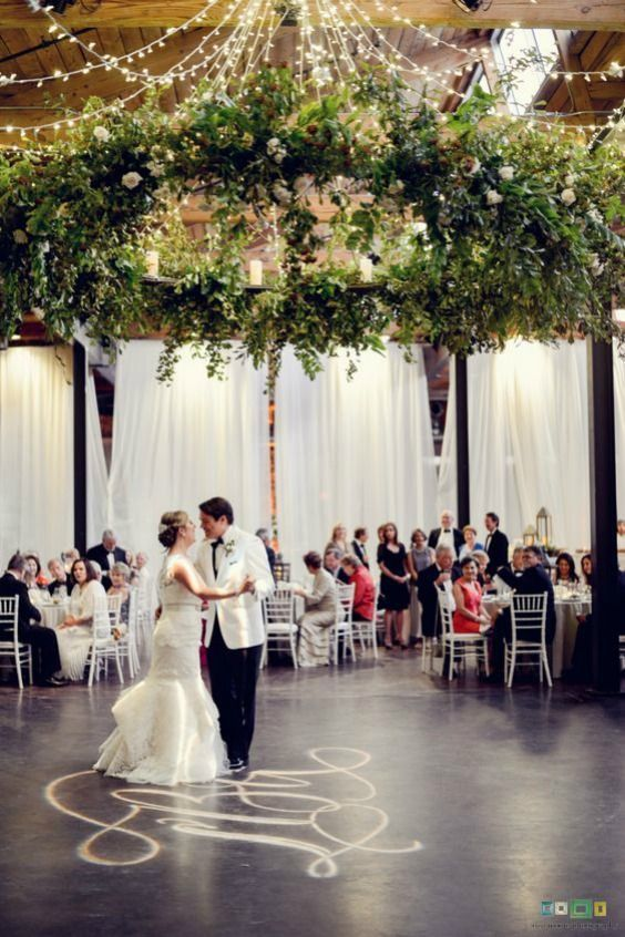 26 Must See Wedding Chandeliers You Could Totally Diy With A Hula