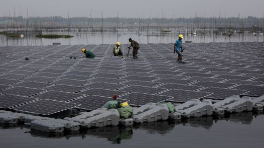 Google Is Building A Solar Power Project Above Fishing Ponds In Taiwan Its First In Asia Solar Power Plant Solar Solar Farm
