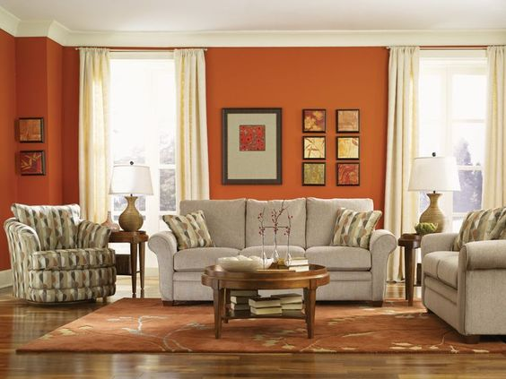 Let your guests be lazy on the easygoing Natalie sofa.