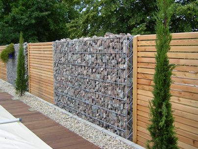gabion brise vue bois idees c t jardin pinterest. Black Bedroom Furniture Sets. Home Design Ideas