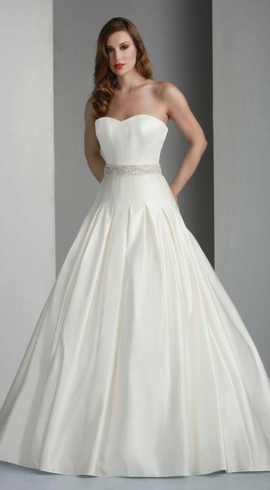 So beauti ful dress
