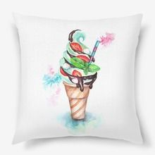 Подушка «Мятное мороженое с клубникой и зефиром»