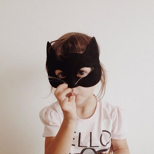 That little kitty kid :) // preciosa niña disfrazada de gatito #little #kids…