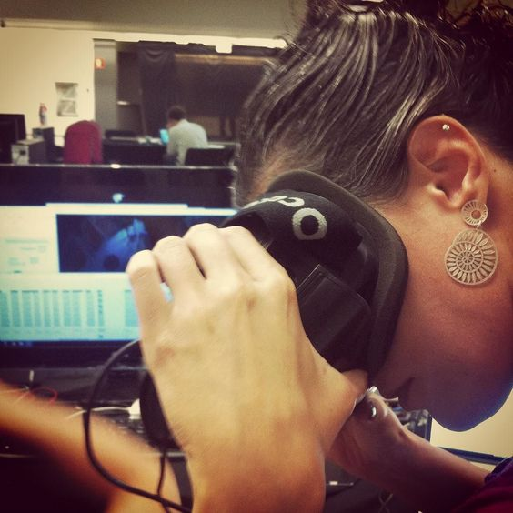 An awesome Virtual Reality pic! Dando uma conferida no material 3D.. Do projeto #dividinglinessp para quem está acomodado a realidade virtual está aí se prepare! #citymixsp #marshmallowlaserfeast #3d #virtualreality #saopaulo #sesi #britishcouncil by natie.rocha check us out: http://bit.ly/1KyLetq
