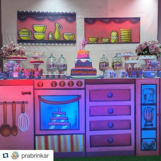 Acho fofo! E genial! #Repost @prabrinkar with @repostapp ・・・ Borboletinha... Tá na cozinha... Fazendo chocolate... #festainfantil #festa #decoraçãodefesta #decor #inspiração #party #partydecor #cake #kidsparty #ideiasparafestas #aniversario #birthday #firstyear #inspiration #partykids #sweettable #festatop #festalinda #carolfesteira #festaborboletinha #galinhapintadinha