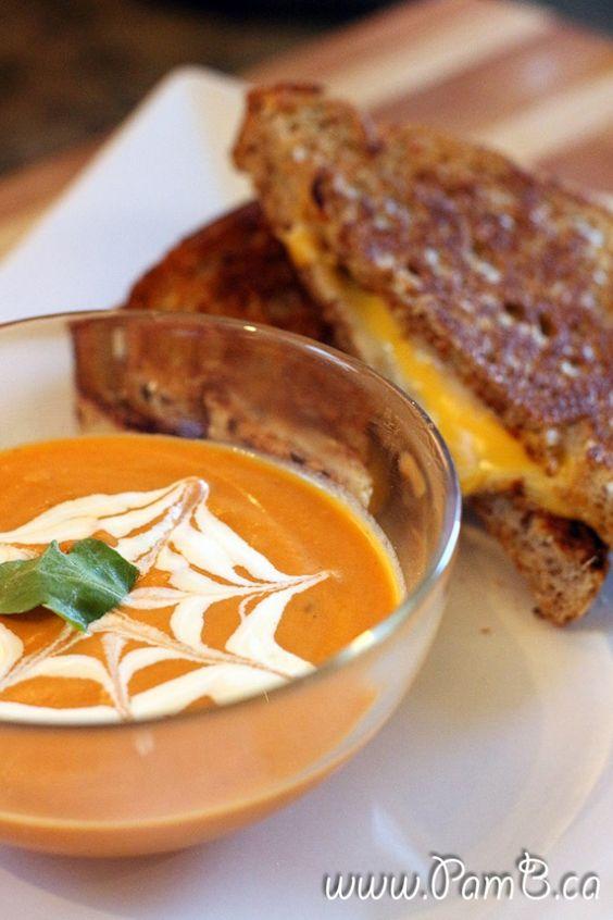 Sopa de Tomate Cremosa e Queijo Quente (Grilled Cheese)
