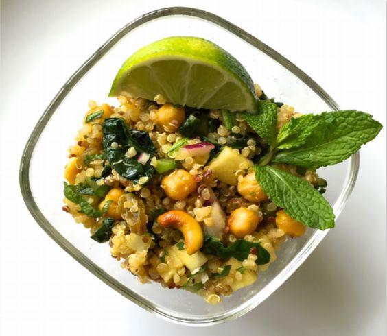 #Recipe Alert! Quinoa Salad with Curried Chickpeas, Cashews, and Kale on www.JudithDuval.com/body Reap the benefits of Quinoa, our seasonal ingredient this week from #soulfoodsalon ************************************************ Alerta de #Receta! Ensalada de Quinoa con Garbanzos, Anacardo y Col Rizada al Curry en www.JudithDuval.com/cuerpo Aquí tienes los beneficios de la Quinoa, nuestro ingrediente de temporada en el reto de Soul Food Salon.