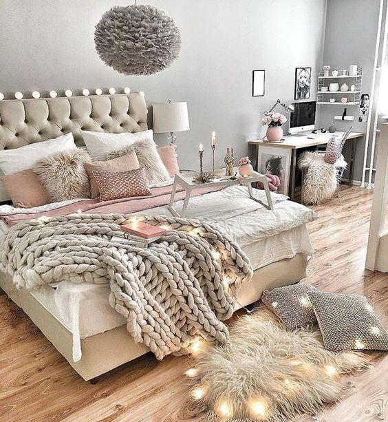 Modern Chanel Kate Moss Lips Fashion Wall Art Bedroom