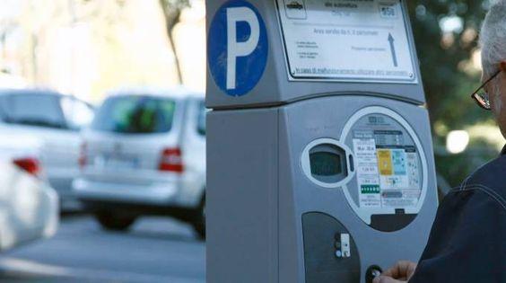 Strisce blu, con le nuove regole in vigore dal 1° luglio 2016, se il parchimetro…