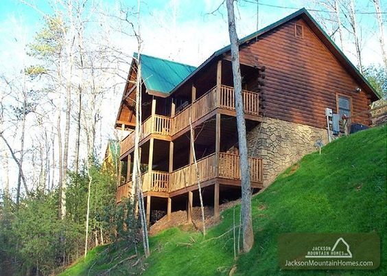 smoky bear lodge 4 bedroom cabin with a gorgeous view