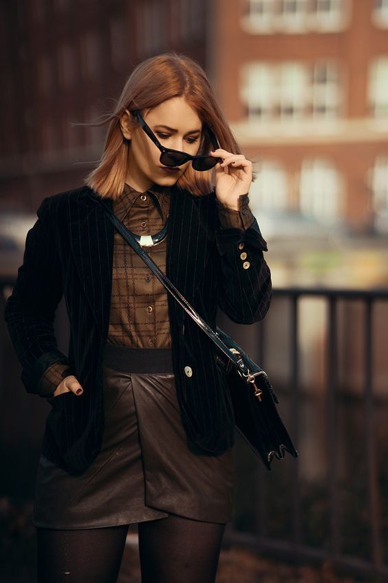 Photographer Christina Key from Berlin is wearing a chic autumn fashion look in the streets of Hamburg