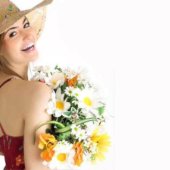 Flori de ziua indragostitilor pentru femei fericite