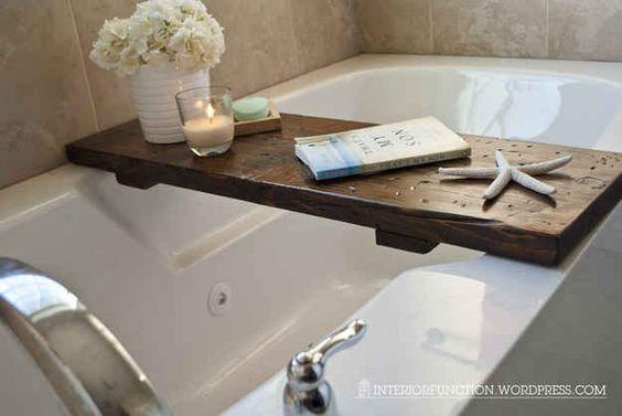 Ou tome banho com uma taça de vinho e um bom livro.
