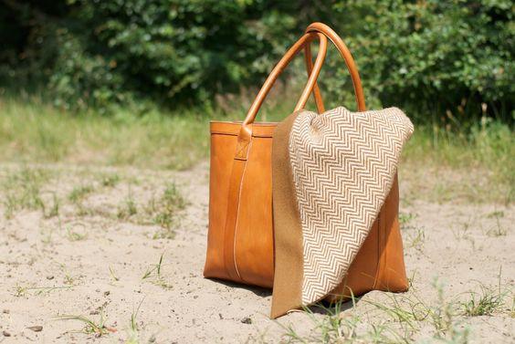 Stoere tassen, stijlvolle kleding, wollen dekens, shawls, accessoires – Burra Burra