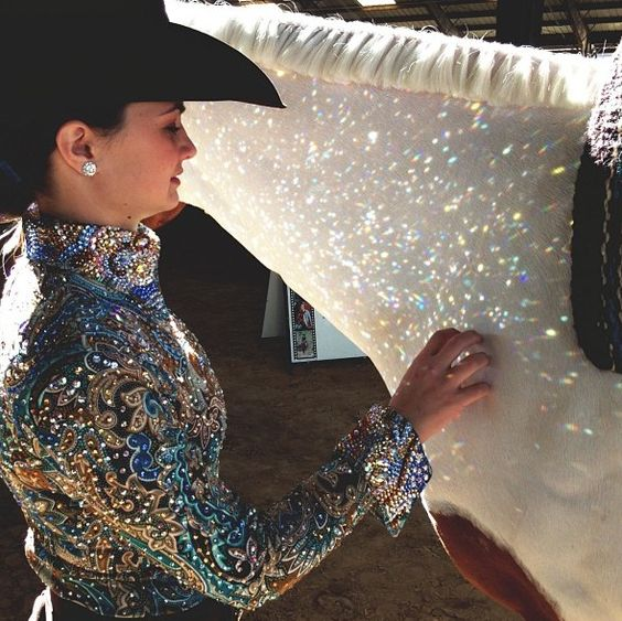 You know you're wearing a good show shirt when all the bling makes sparkles on your horse in the sun! ;)  I LOVE THAT FEELING