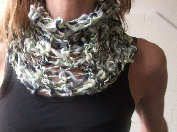soft ribbon collar in Green  Silver and black by ileaiye on Etsy, $22.00