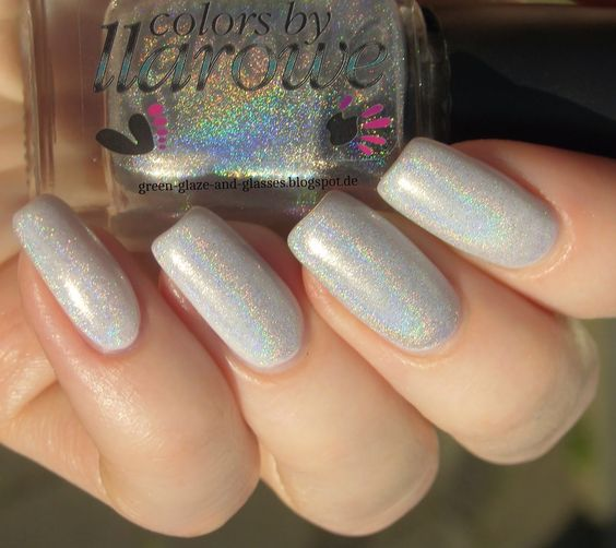 Green, Glaze & Glasses: Weiß weiß Baby - Essie Marshmallow & Colors by Llarowe Leather & Lace