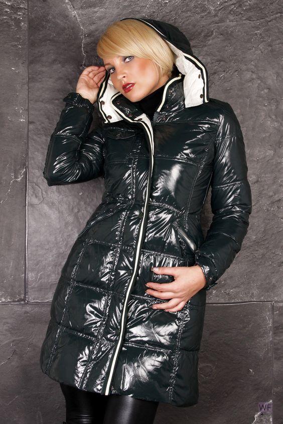 http://www.ebay.de/itm/Daunenmantel-Lack-Glanznylon-Steppmantel-38-40-42-Mantel-Jacke-Wintermantel-/221156841920?pt=LH_DefaultDomain_77