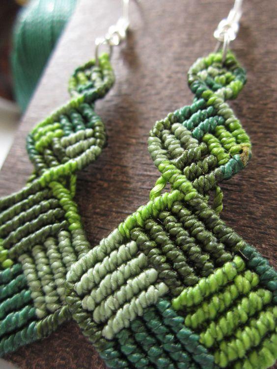 Pendientes de macramé verde Color hecho a mano por PapachoCreations