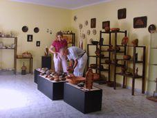 Lanzarote Plus: Ceramica Uga, Uga