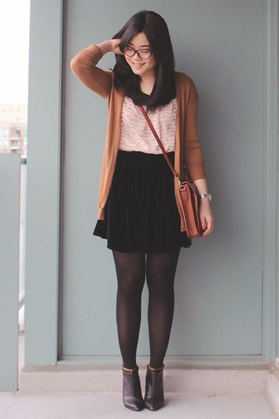 Black-ankle-boots-dkny-boots-brown-vintage-bag-light-pink-oasapcom-blouse