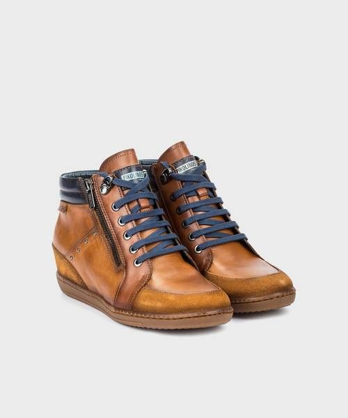 Leather Shoes & Accessories | Pikolinos Official Online Store