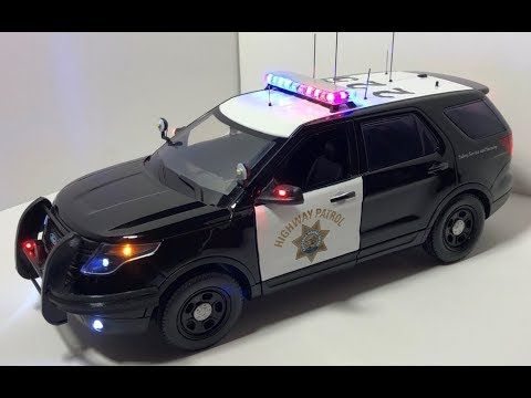1 18 California Highway Patrol Ford Explorer With Working Lights Custom Order Youtube Toy Police Cars Ford Explorer California Highway Patrol