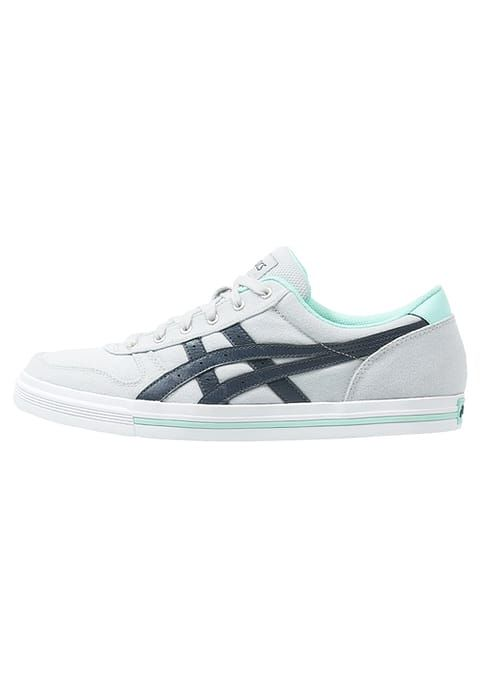 Baskets basses Asics Tiger AARON - Baskets basses - soft grey/indian ink gris clair: 48,00 € Taille 40