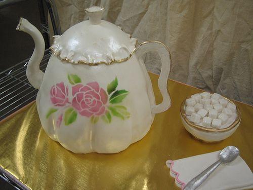 Teapot cake - looks real!: Teapot Cakes, Cakes Adult Teen Birthday, Cakes Cupcakes, Amazing Cakes, Cakes Cakes, Beautiful Cakes, Cake Cupcake Teapots Cups1, Cakes Cookies Cupcakes